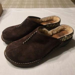 NIB Uggs Slide-On Moccasin shoes